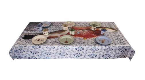 tp-seletti-tablecloth-fish-wplate